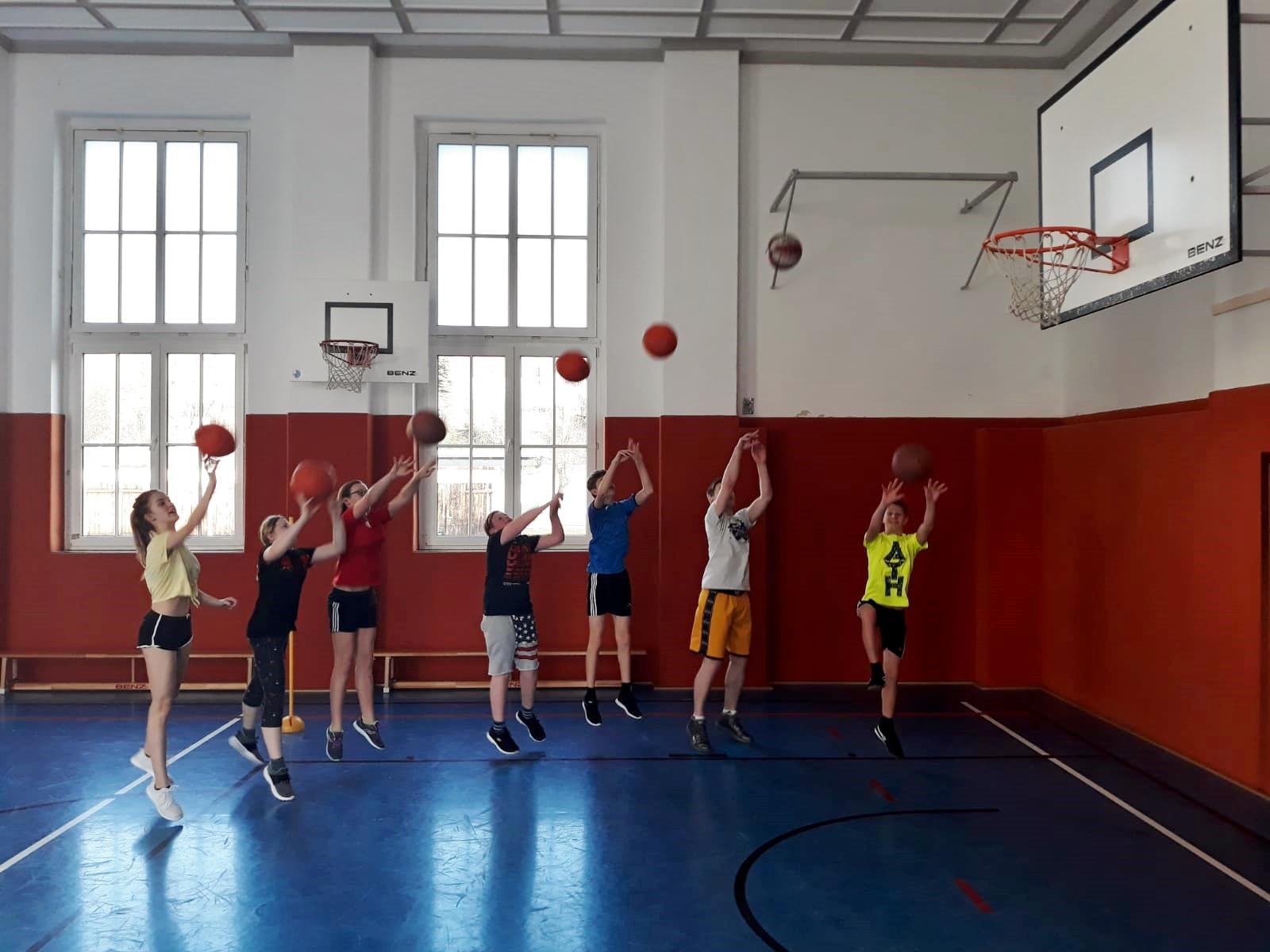Unsere Schule/Basketball AG (original)